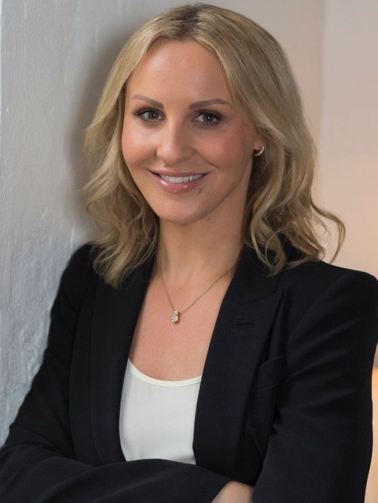 Samantha Dybac - PR